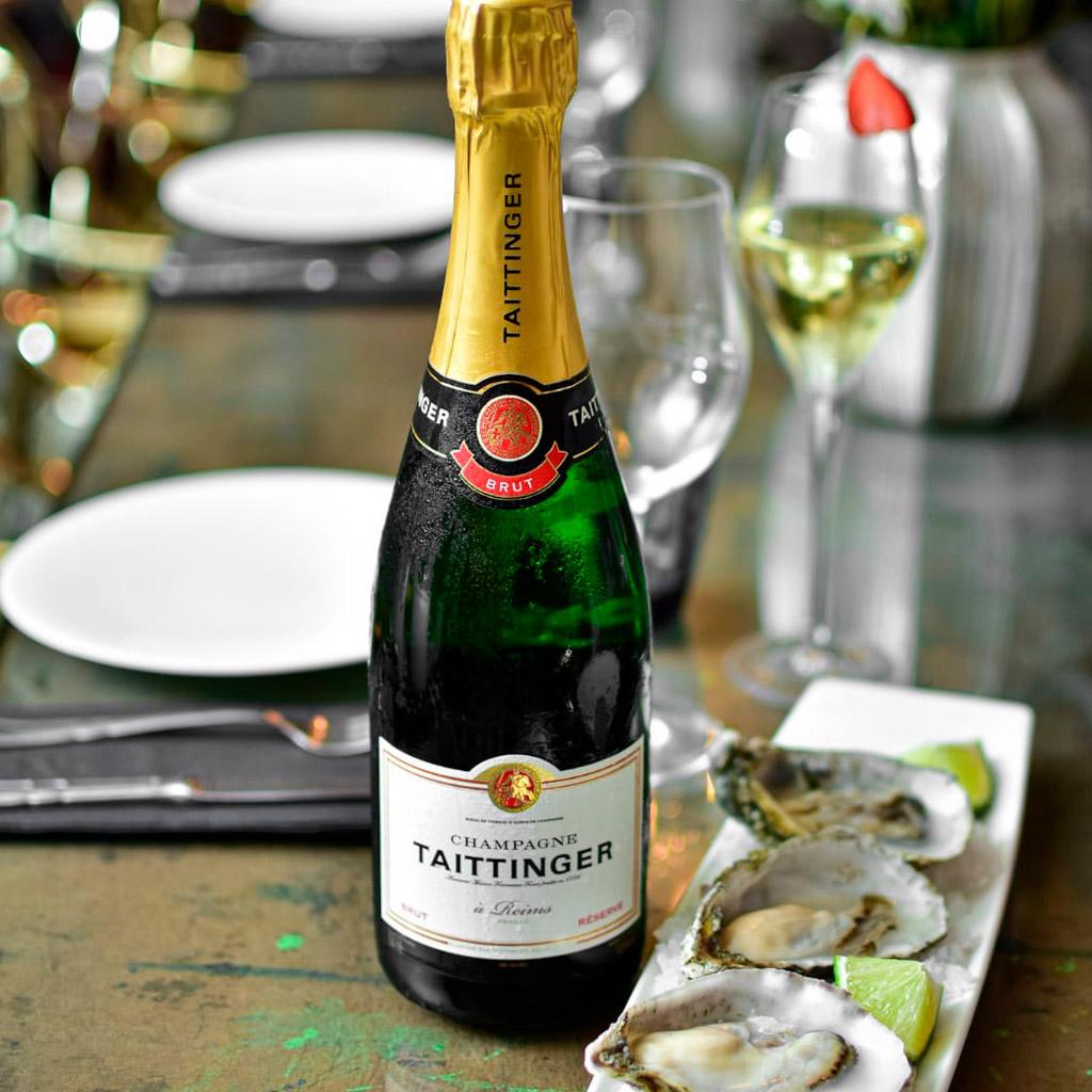 Champan y ostras en vivo tapas restaurante